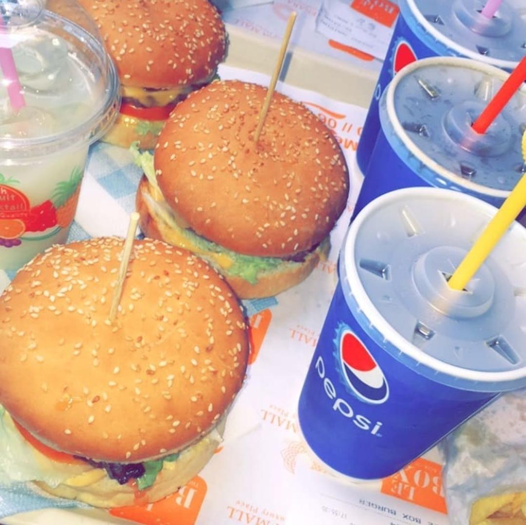 burgers at le box